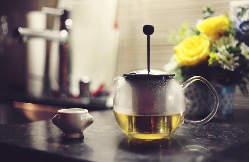 Jakie są właściwości zielonej herbaty?
