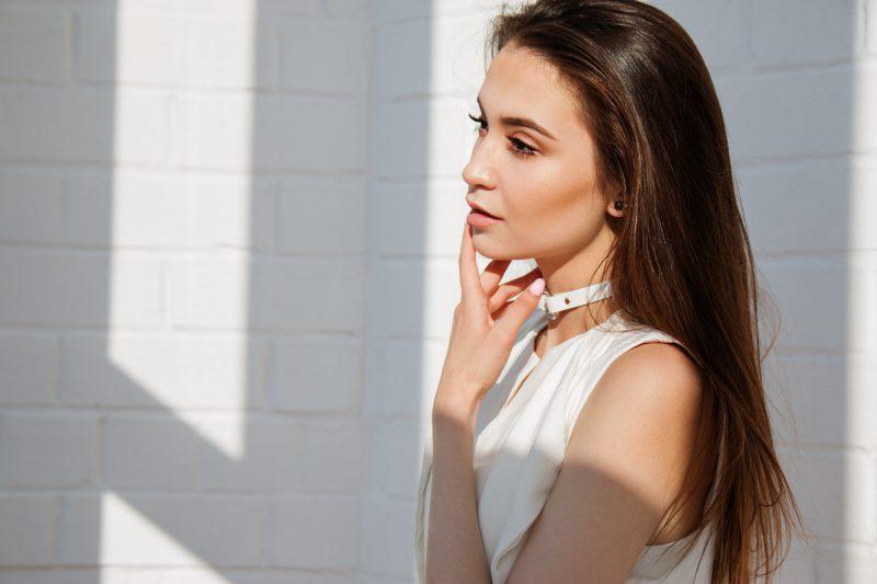 Wypełniacze skórne na twarz – zobacz, kiedy je zastosować?